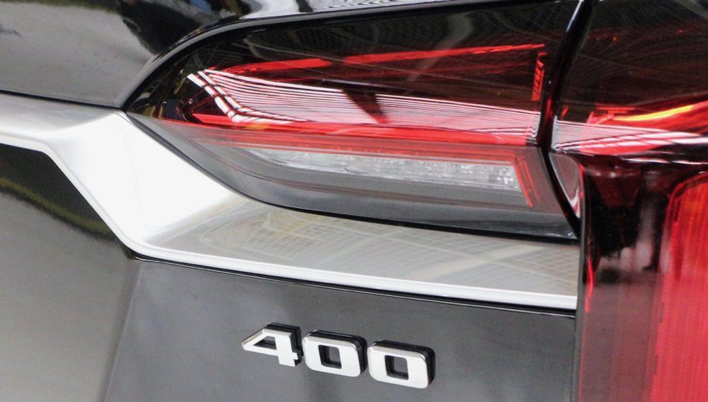 2020 Cadillac XT6 400 badge