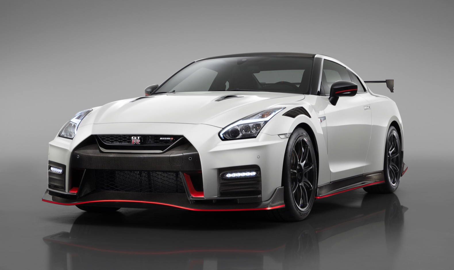 2020 Nissan GT-R Nismo gets lots of carbon fiber | The ...