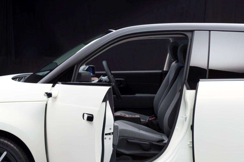Honda Model e Camera mirror system