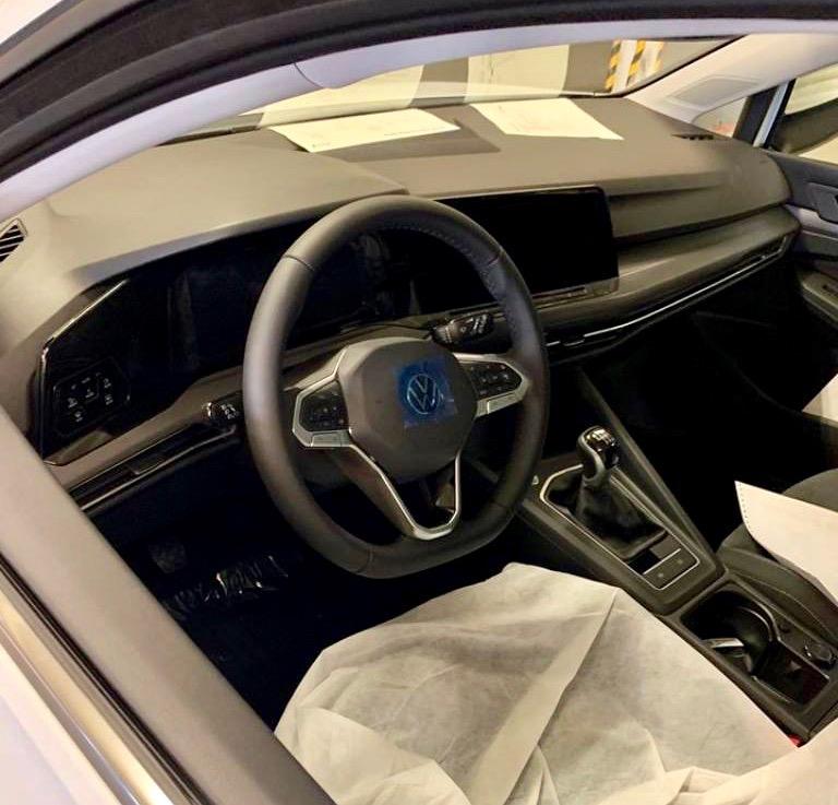 2020 VW Golf Leak
