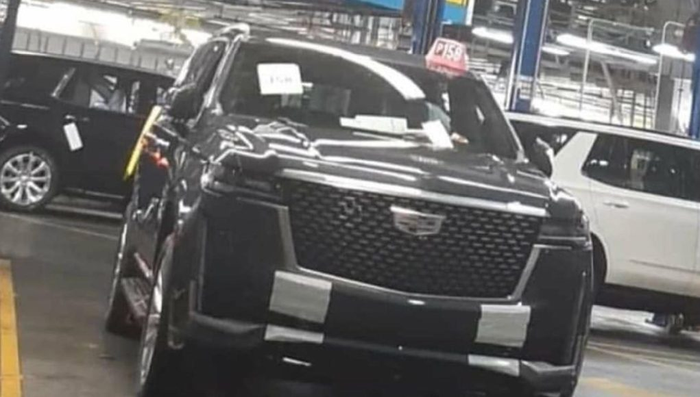 2021 Cadillac Escalade Leak