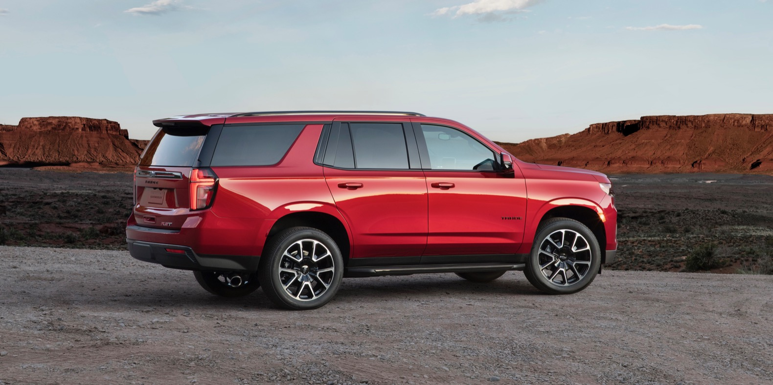 2021 chevy suburban and tahoe debut with more style room