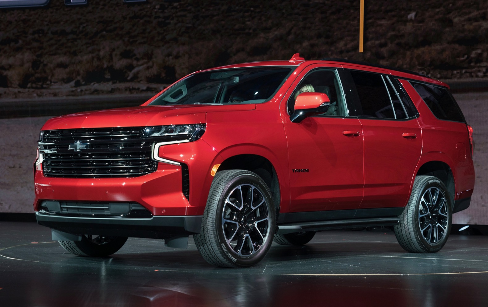 2021 Chevy Suburban and Tahoe debut with more style, room ...