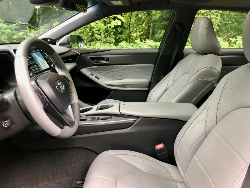 2020 Toyota Avalon Hybrid Review
