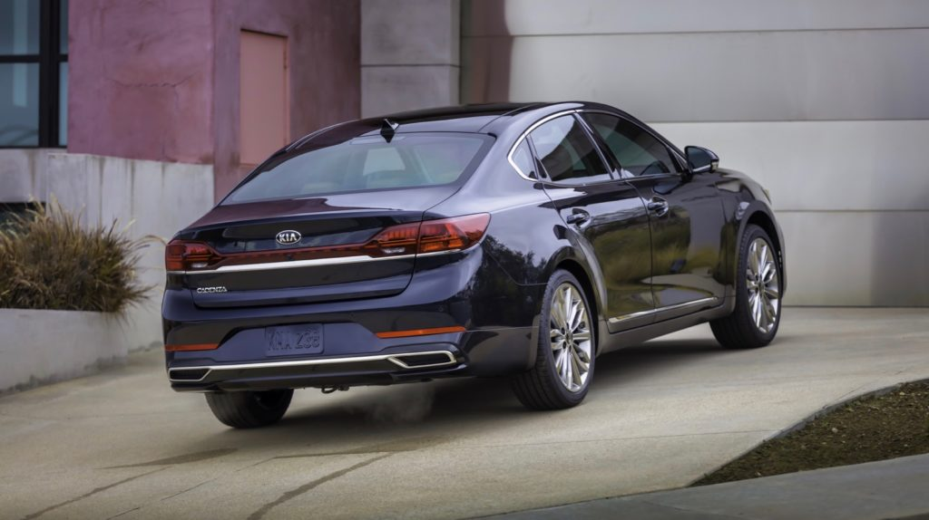 2020 kia cadenza shows off its facelift in chicago | the