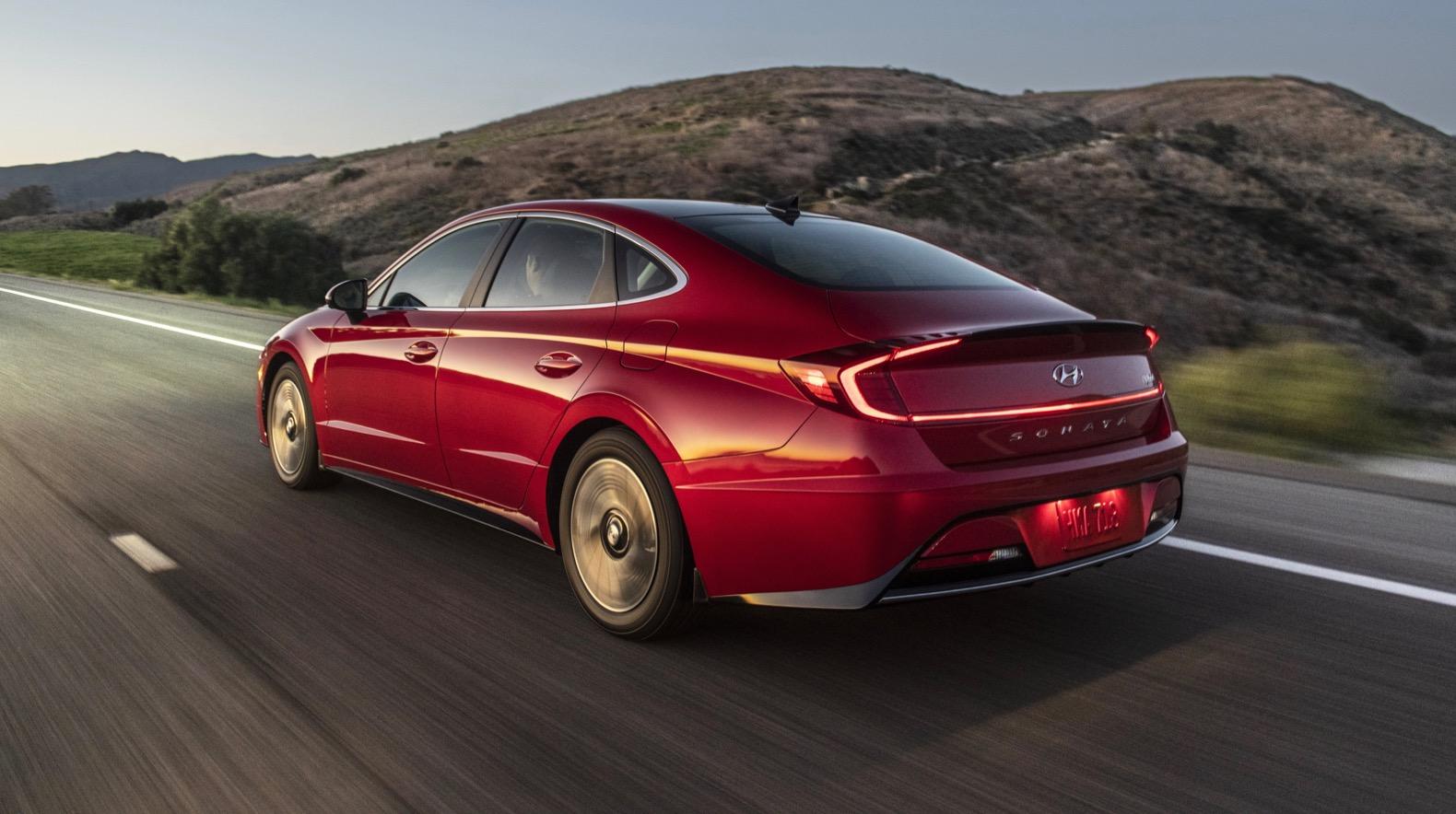 2020 Hyundai Sonata Hybrid arrives with 52 mpg rating ...