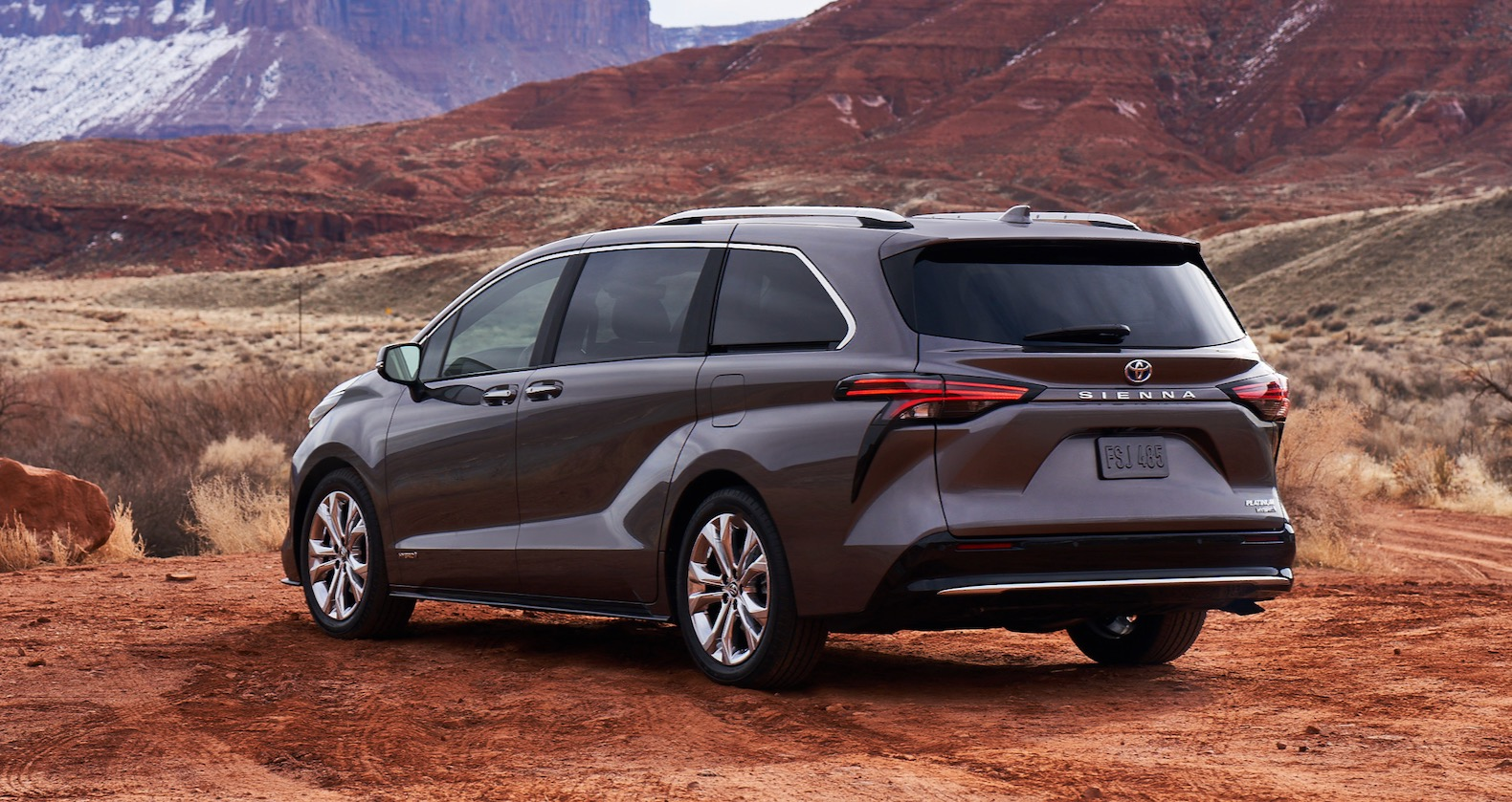 2021 Toyota Sienna goes full hybrid with more style | The ...