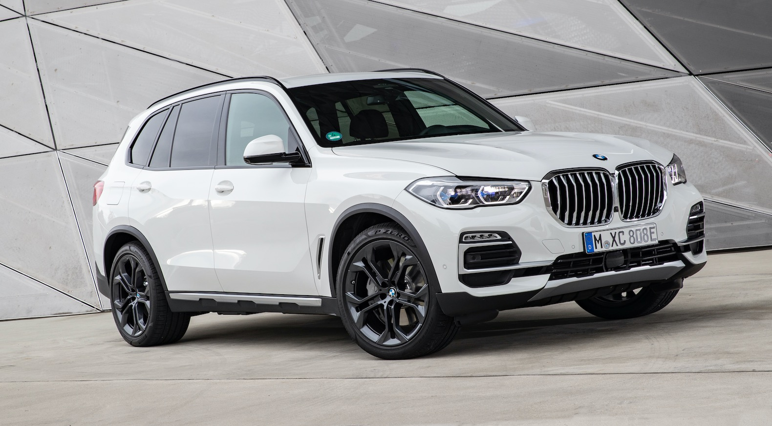 2021 BMW X5 xDrive45e plug-in hybrid priced at $66,395 ...