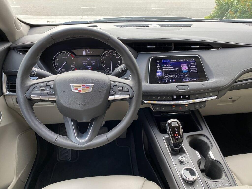 2020 Cadillac XT4 Review