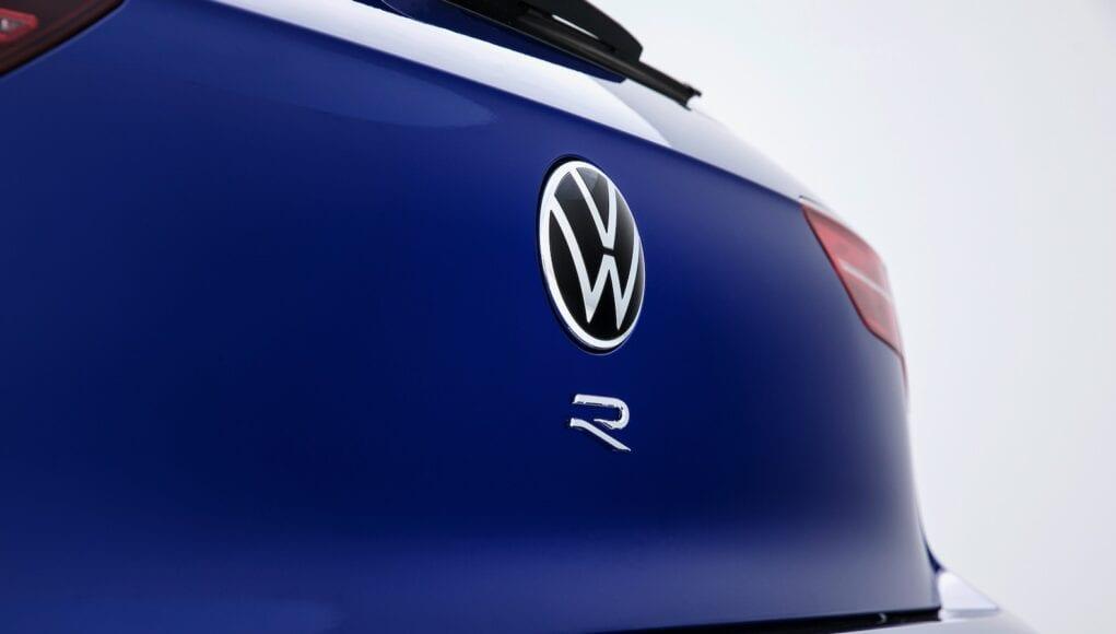 2021 Volkswagen Golf R Teaser