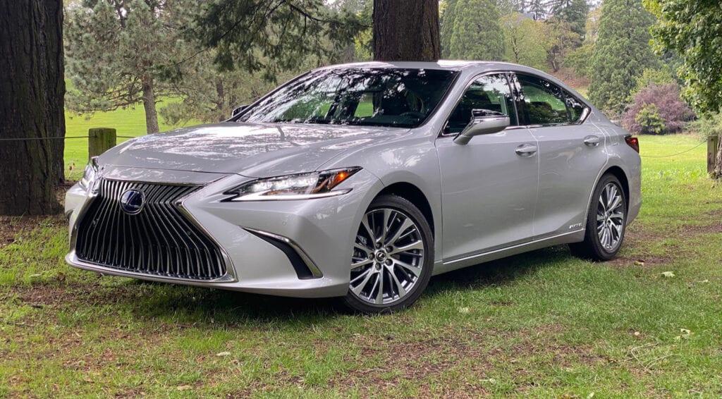 2020 Lexus ES 300h Review