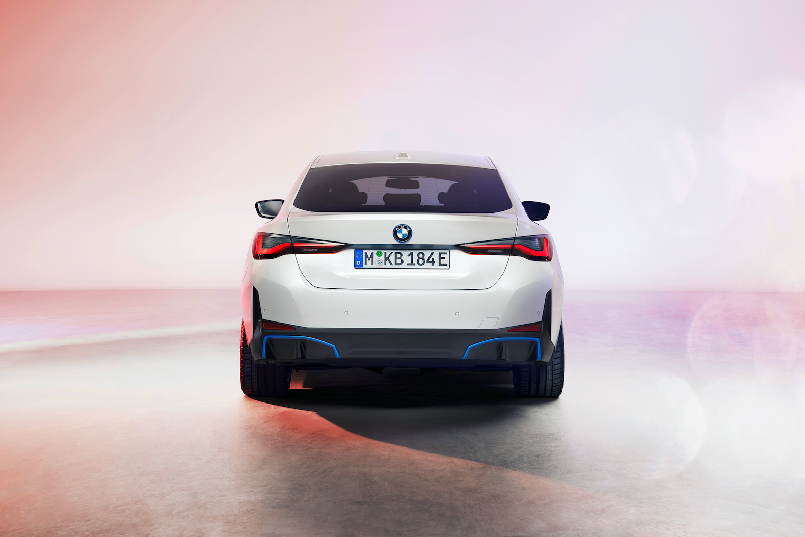 2022 bmw i4 unveiled with 532 hp and 300 mile range | the