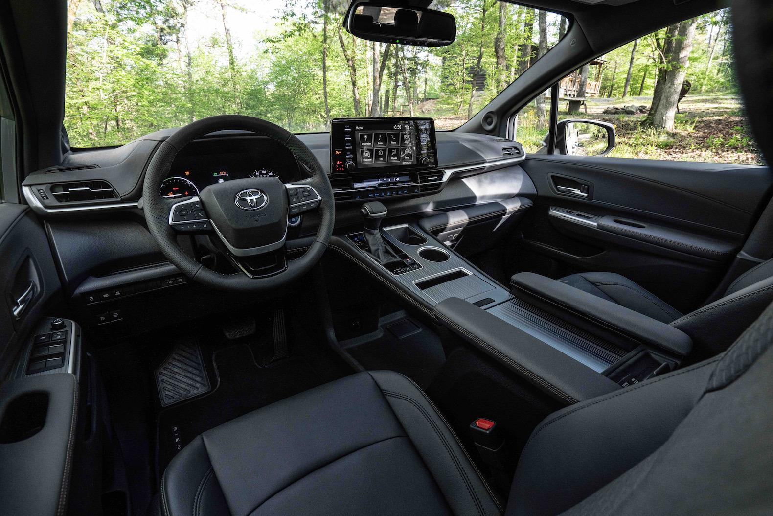 2022 Toyota Sienna Woodland Special Edition
